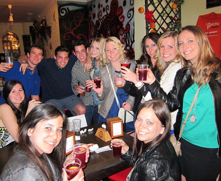 Seville Santa Cruz Jewish Quarter Tour + Seville Pub Crawl