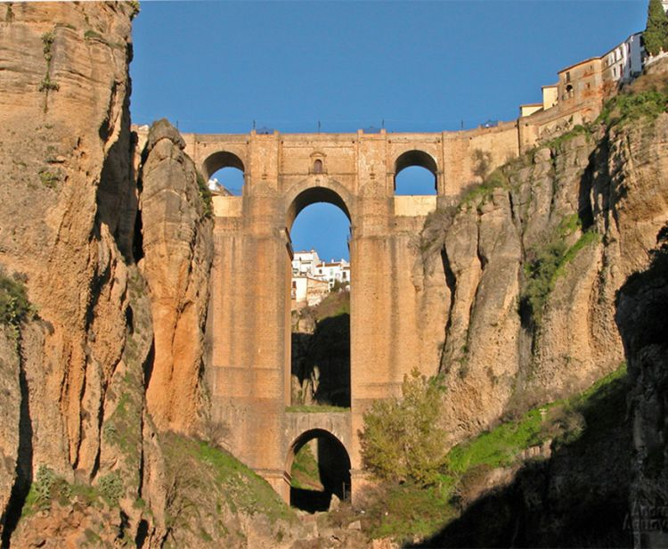 Day trip from cadiz to white villages (ronda, arcos..)