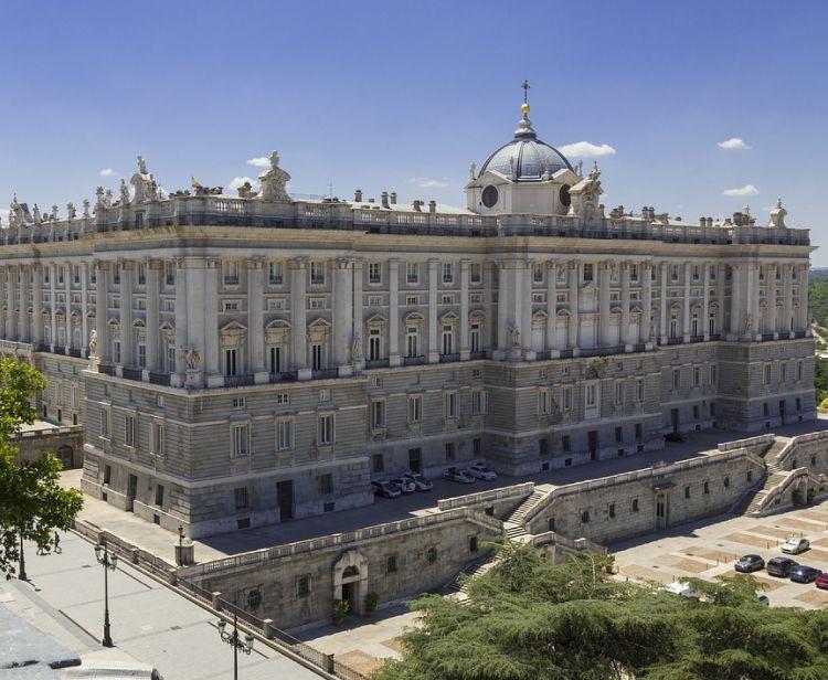 VIP Royal Palace