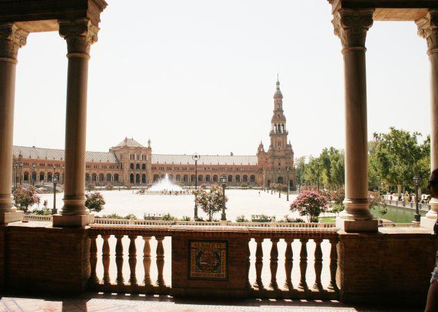 Tours Sevilya