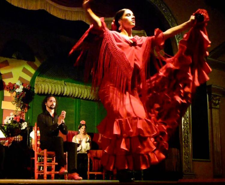 Тур Фламенко в Севилье + Тапас тур в Севилье